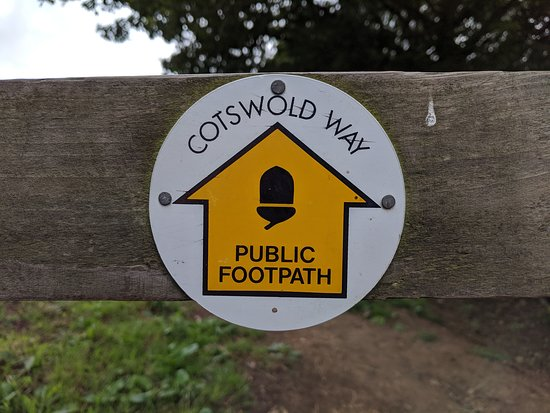 cotswold-way-marker